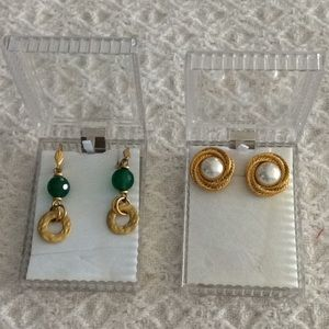 Jewelry - 🟣2 Pairs of Gold Earrings